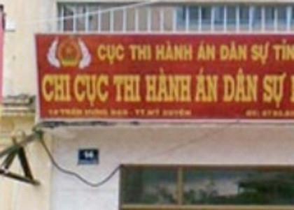 Bon cuu can bo thi hanh an o Soc Trang bi khoi to hinh anh