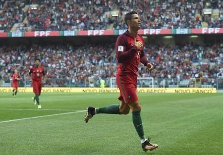 Bồ Đào Nha hiện vẫn kém Thụy Sĩ 3 điểm