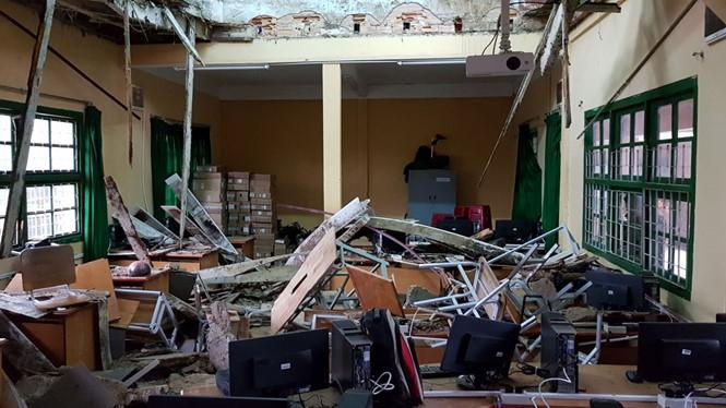 Trường Đống Đa bị sập phòng học chiều 26.8