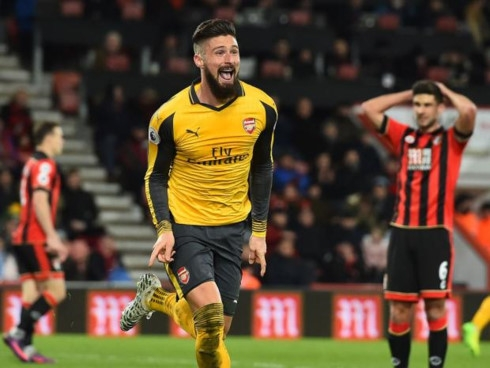 arsenal bournemouth tim lai nu cuoi hinh 1