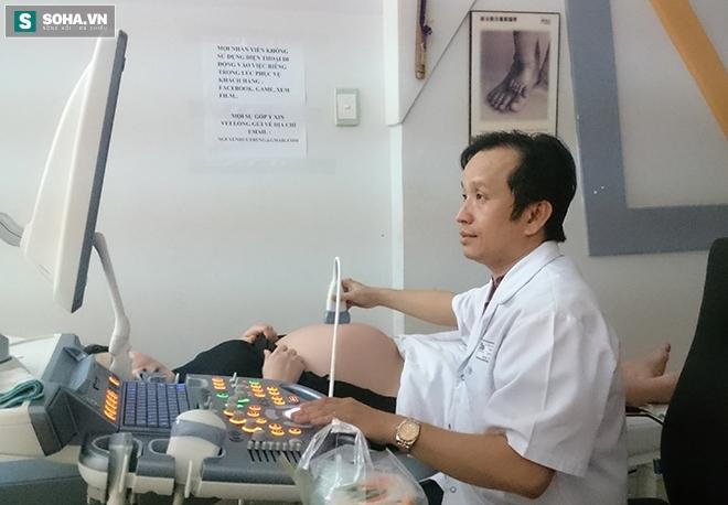 Chọn giờ đẹp sinh mổ: Bác sĩ sản khoa chia sẻ nhiều câu chuyện đau lòng - Ảnh 1.