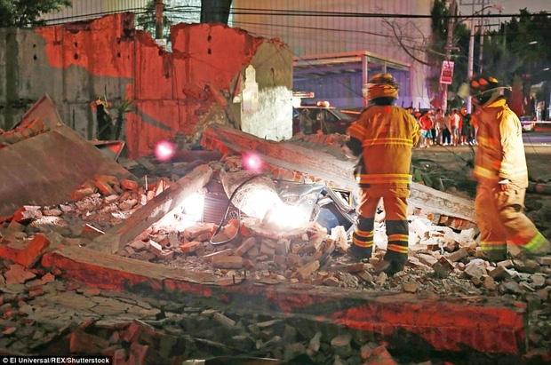 Số người thiệt mạng trong trận động đất 8,1 độ richter gần Mexico tăng mạnh, nhiều ngôi nhà bị phá hủy - Ảnh 1.