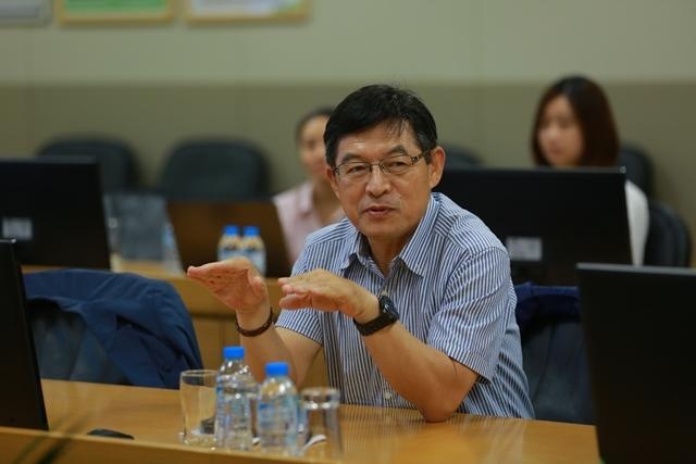 Ông Shim Won Hwan, Tổng Giám đốc của Samsung Việt Nam