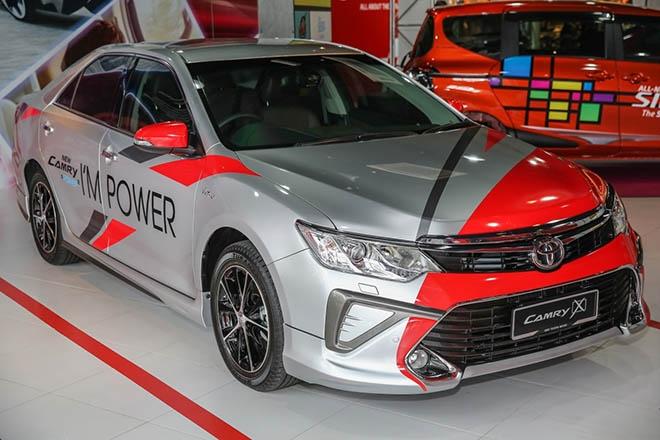 Toyota Camry 2017 có giá từ 795 triệu đồng - 1