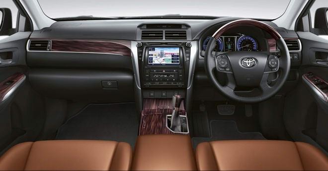 Toyota Camry 2017 có giá từ 795 triệu đồng - 2