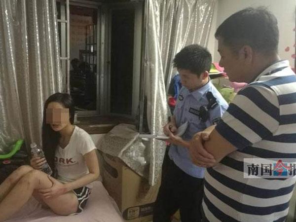 Cô gái xinh đẹp bị bạn trai dội nước sôi lên người nhốt trong nhà và bỏ đói nhiều ngày
