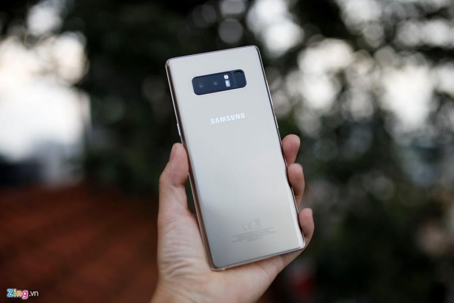 Loan gia Samsung Galaxy Note 8 truoc ngay ra mat tai VN hinh anh 4