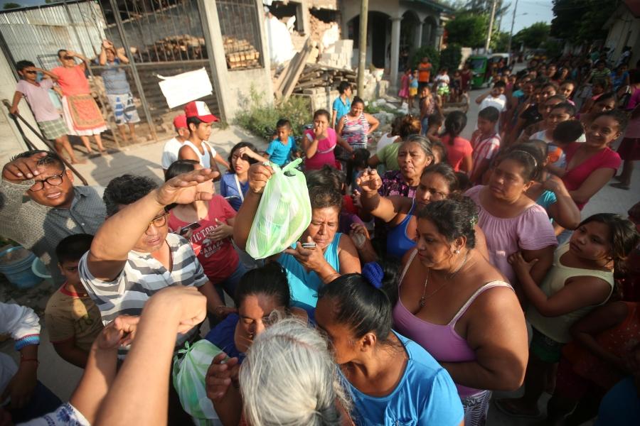 Mexico tiếp tục tìm kiếm nạn nhân trận động đất quá mạnh - Ảnh 1.