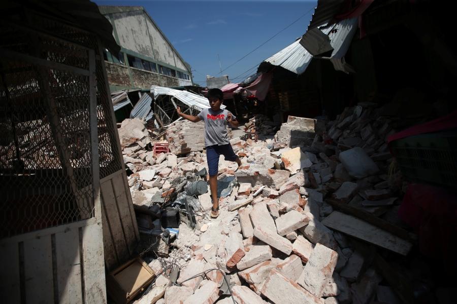 Mexico tiếp tục tìm kiếm nạn nhân trận động đất quá mạnh - Ảnh 2.