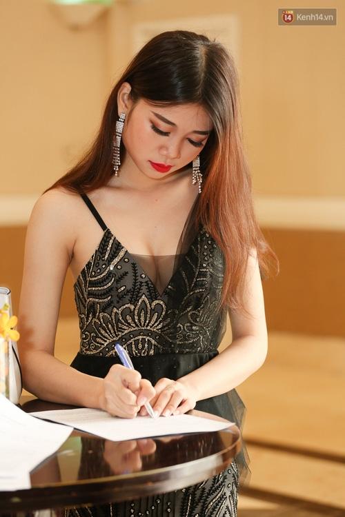 Nhiều thí sinh Hoa hậu Hoàn vũ miền Nam xuất hiện mệt mỏi, kém sắc - Ảnh 3.