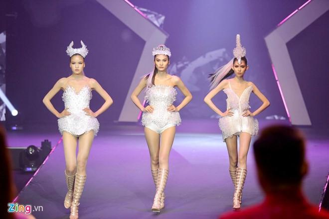 Vuot qua Thuy Duong, Kim Dung tro thanh quan quan Next Top 2017 hinh anh 4