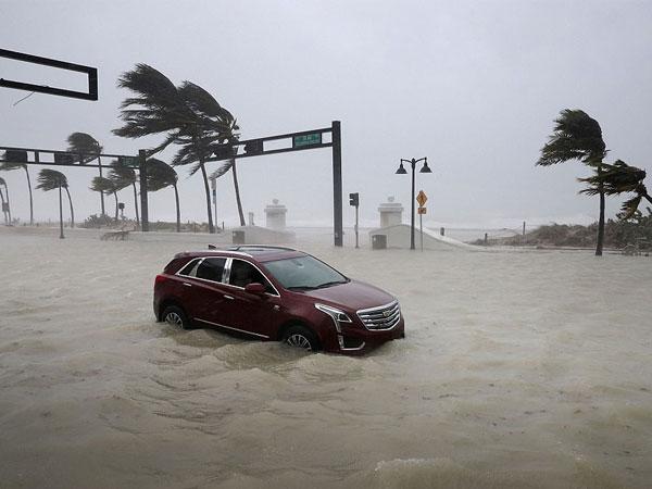 Khung cảnh như trong phim viễn tưởng tại Mỹ sau khi siêu bão