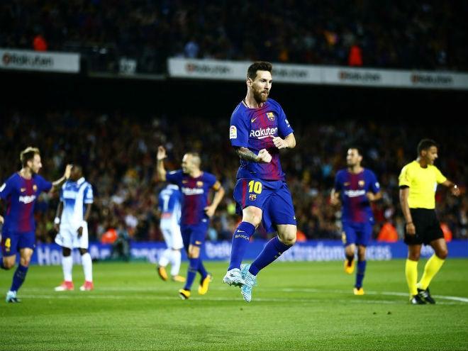 """Barca thăng hoa: Nhờ Messi hay trọng tài """"dìm"""" Real Madrid? - 1"""