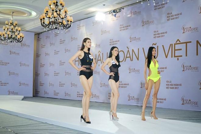 Hoang Thuy dien bikini noi bat o Hoa hau Hoan vu Viet Nam hinh anh 1