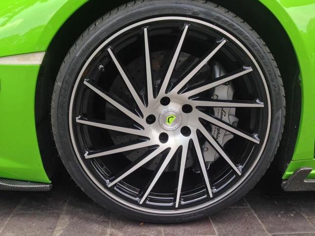 Lamborghini Huracan xanh cốm của đại gia kín tiếng quận 2 tiếp tục được độ khủng - Ảnh 3.
