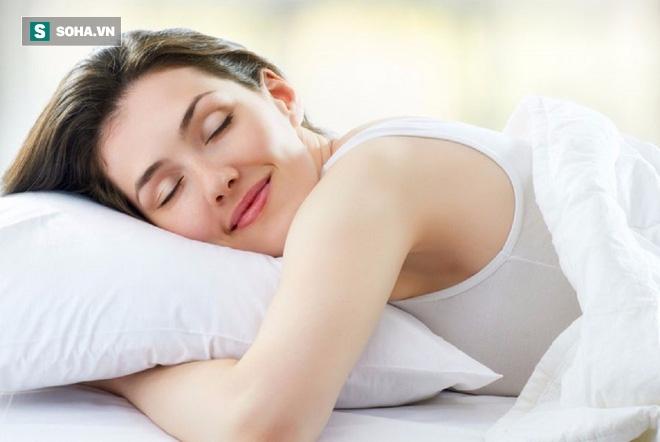 Nhiệt độ phòng ảnh hưởng lớn đến giấc ngủ sâu: Nên để nhiệt độ tự nhiên hay mát lạnh? - Ảnh 1.