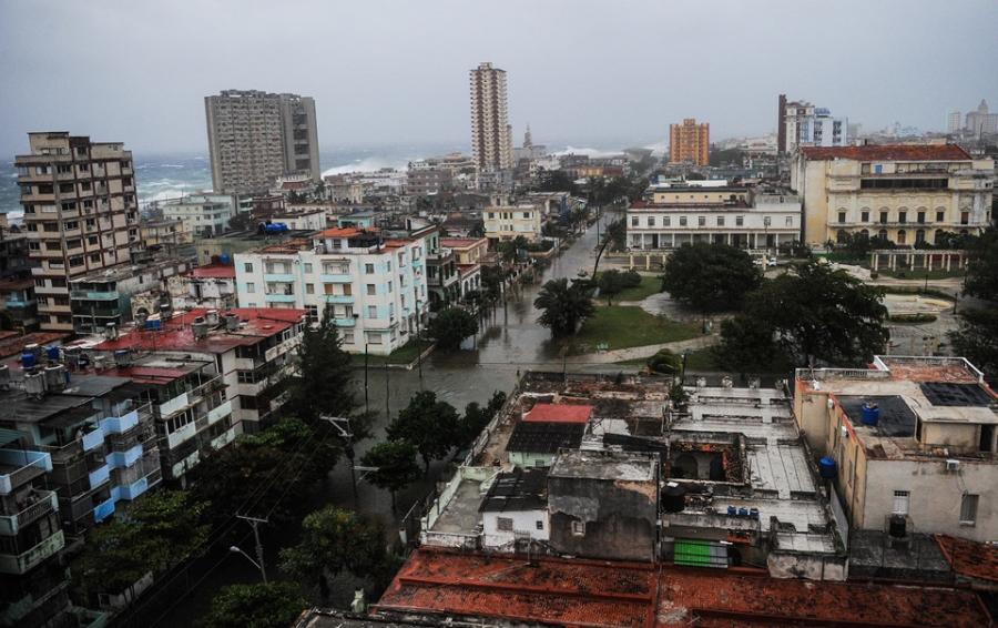 Thu do cua Cuba chim trong bien nuoc sau sieu bao Irma hinh anh 1