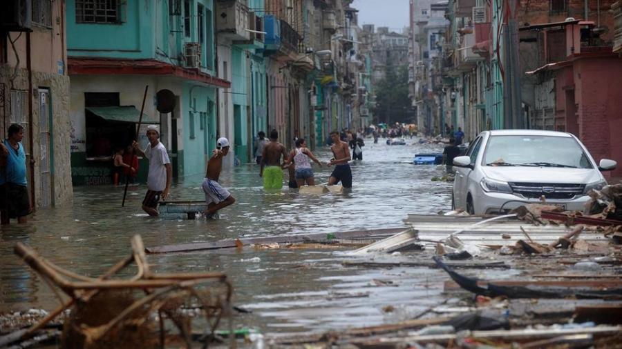 Thu do cua Cuba chim trong bien nuoc sau sieu bao Irma hinh anh 2