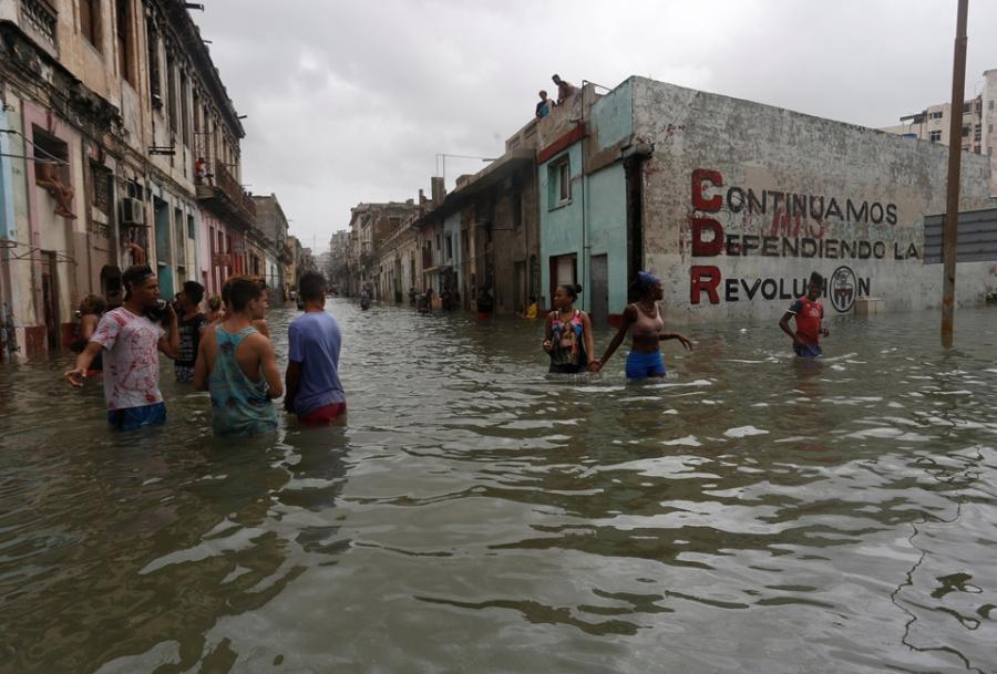 Thu do cua Cuba chim trong bien nuoc sau sieu bao Irma hinh anh 8