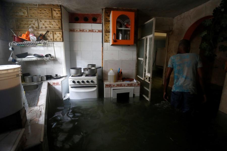 Thu do cua Cuba chim trong bien nuoc sau sieu bao Irma hinh anh 12