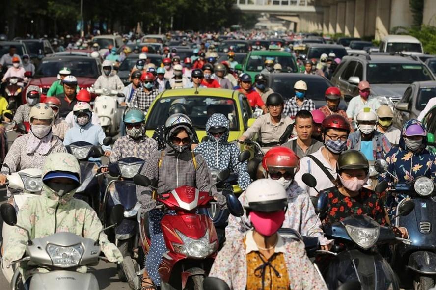 Trục đường Nguyễn Trãi thường xuyên kẹt cứng các phương tiện trong giờ cao điểm. Ảnh: Hải Nguyễn