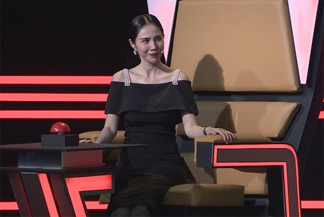 Thuy Tien phan ung khi ca si Thien Vuong 'da xeo' Cong Vinh hinh anh 1