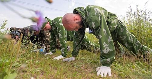 Trải nghiệm khắc nghiệt cùng chương trình huấn luyện của lực lượng đặc nhiệm Nga - Ảnh 3.