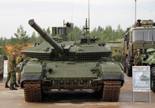Xe tăng T-90M chính thức lộ diện: Giao hàng năm 2018 - Ảnh 1.