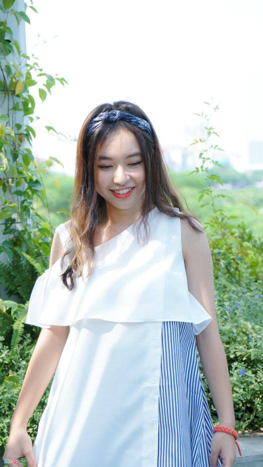 9X xinh dep dong MV cung My Tam, gioi 2 ngoai ngu, rat thich choi game hinh anh 14