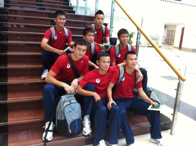 Dang Van Lam tung bi duoi khoi HAGL va bi ky luat o U19 Viet Nam hinh anh 1