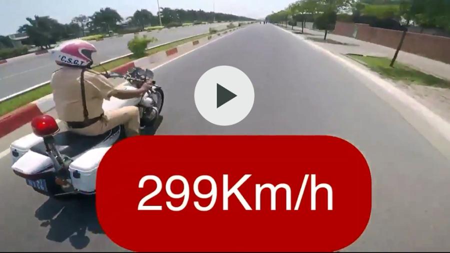 Lao xe máy tốc độ bàn thờ 299km/h để câu like? - Ảnh 2.