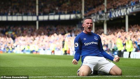 Mata Cam giac kho ta khi thay Rooney trong mau ao khac hinh anh