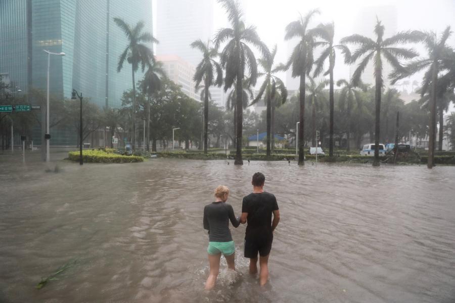 Nuoc mat va nu cuoi cua nhung nguoi di qua con ac mong Irma hinh anh 4