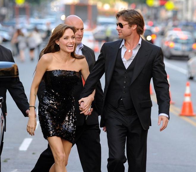 Sự thật đằng sau câu chuyện Brad Pitt và Angelina Jolie giả vờ ly hôn  - Ảnh 2.