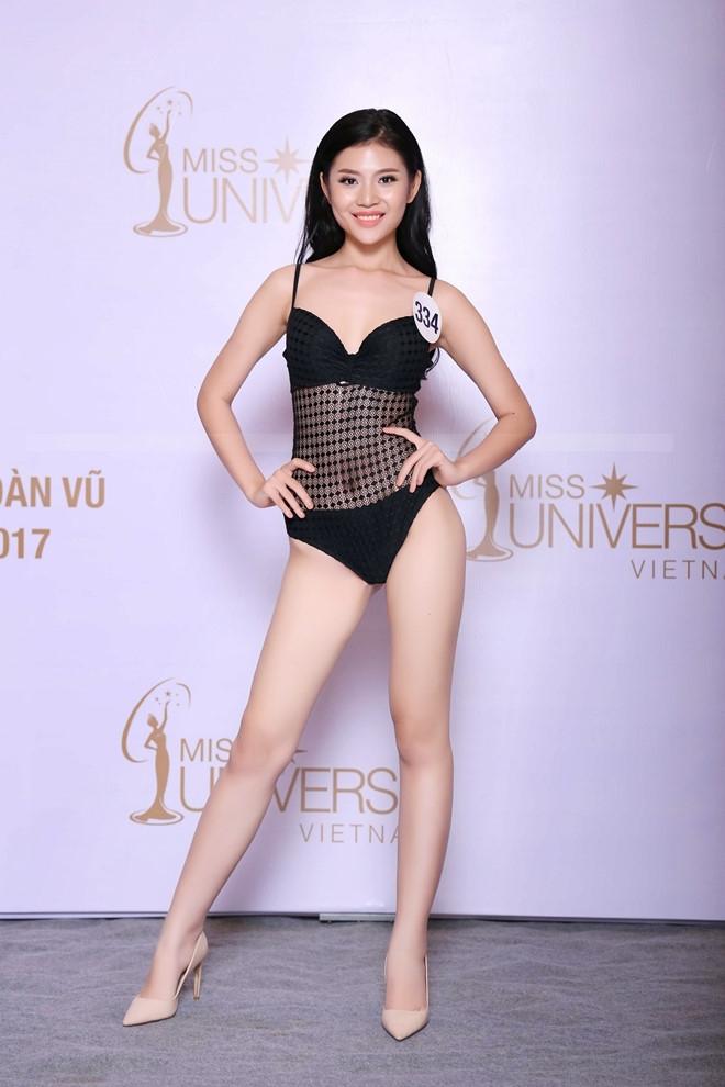 Thi sinh Hoa hau Hoan vu lo dui to, chan ngan khi dien bikini hinh anh 6