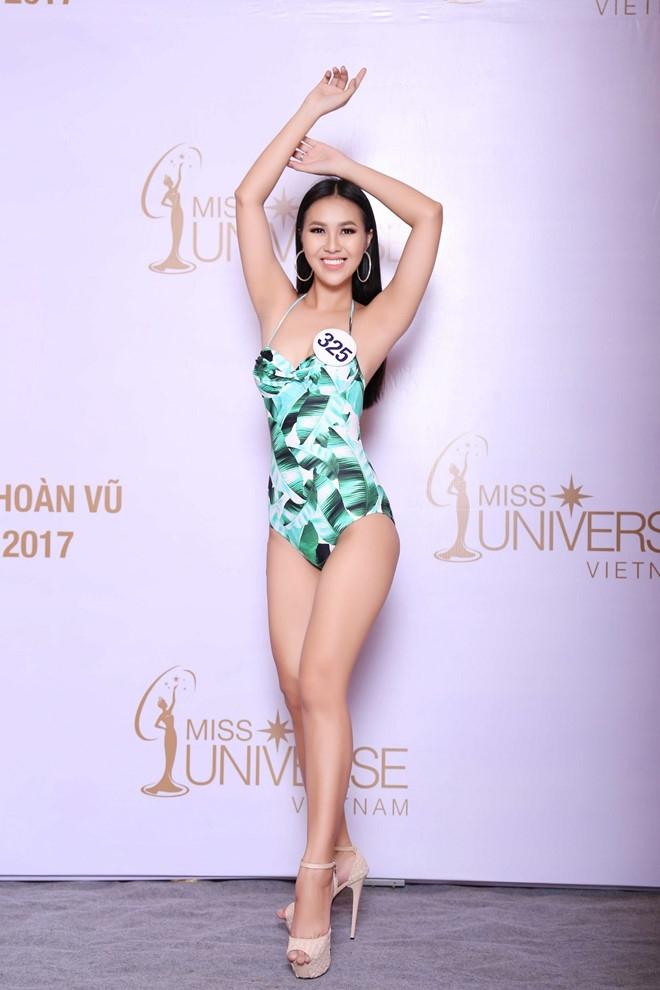 Thi sinh Hoa hau Hoan vu lo dui to, chan ngan khi dien bikini hinh anh 14