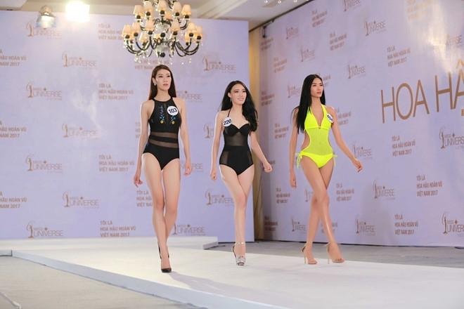Thi sinh Hoa hau Hoan vu lo dui to, chan ngan khi dien bikini hinh anh 16