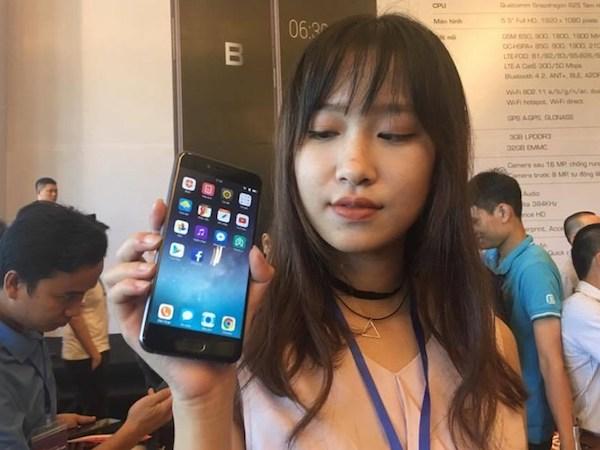 BPhone 2017 có bản cập nhật đầu tiên sau 35 ngày ra mắt