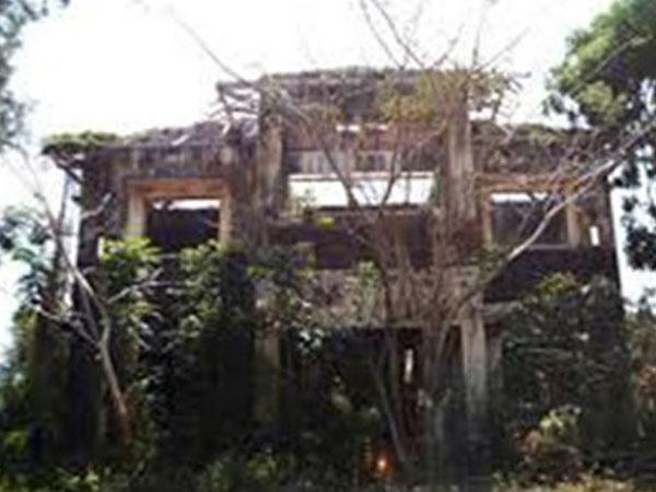 Khách sạn bỏ hoang và 48 giờ lần theo dấu vết tội phạm trong mưa lũ