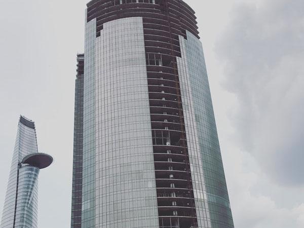 Sau khi bị siết nợ, tòa nhà cao thứ 3 Sài Gòn vẫn chưa thể đấu giá
