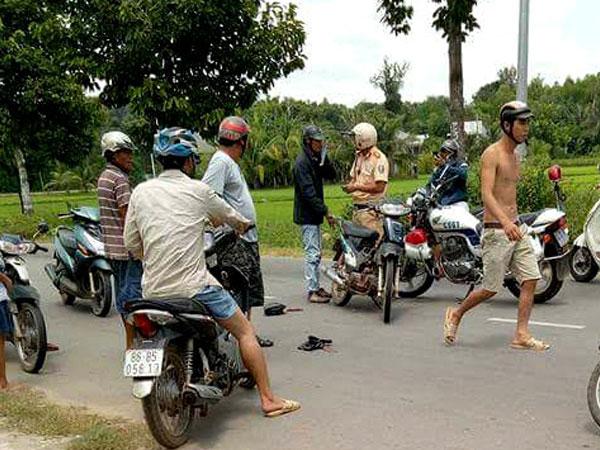 Tông thẳng xe máy vào kẻ trộm chó giữa trưa