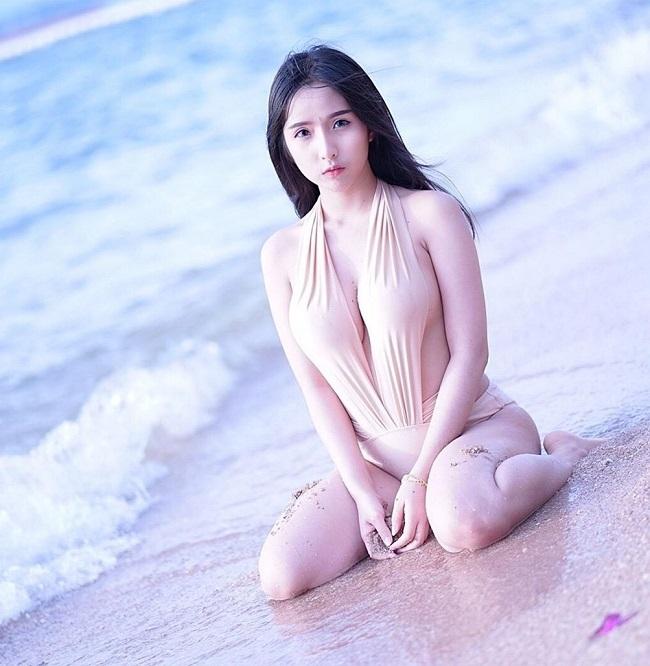 ao tam mau nude mong tang, nhin nhu khong dang hot tai chau a hinh anh 6