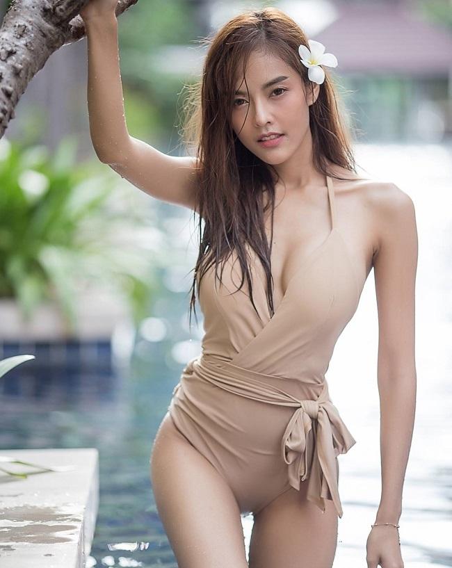 ao tam mau nude mong tang, nhin nhu khong dang hot tai chau a hinh anh 15