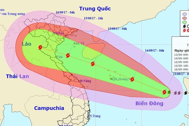 Vị trí và hướng di chuyển của bão số 10 (Ảnh: NCHMF).