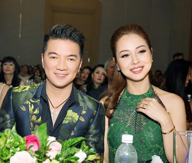 Dam Vinh Hung: 'Toi co rat nhieu tien nen khong ban diem cho ai' hinh anh 1