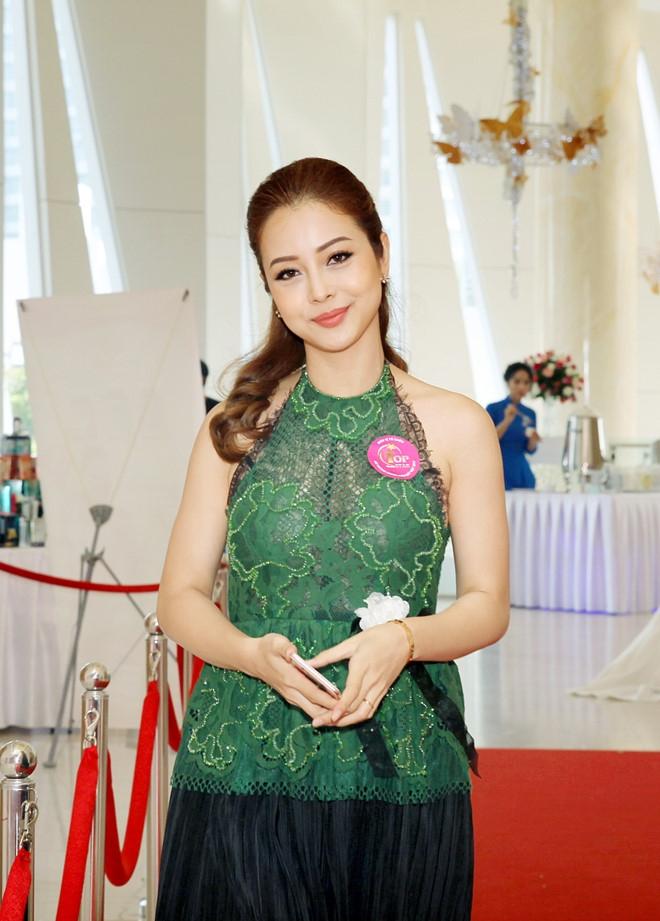 Dam Vinh Hung: 'Toi co rat nhieu tien nen khong ban diem cho ai' hinh anh 2