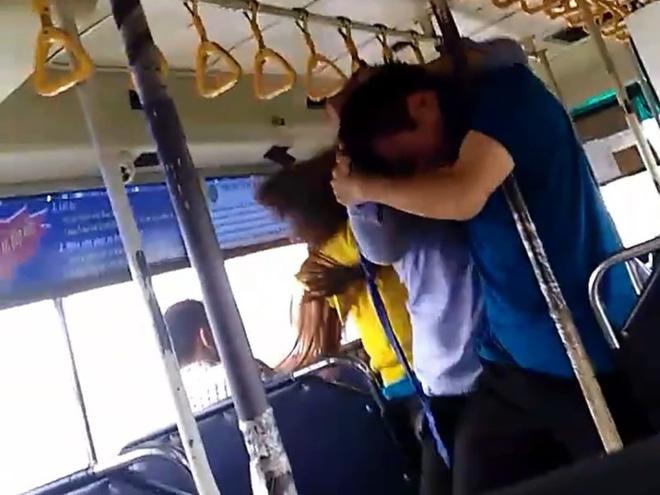Giải trình bất ngờ vụ nam nhân viên xe buýt đánh nhau với 2 hành khách - Ảnh 1.