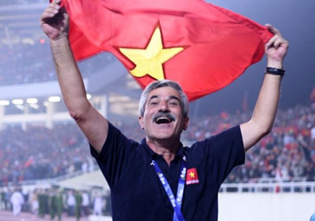 Ông Calisto là HLV duy nhất từng giúp đội tuyển bóng đá Việt Nam vô địch AFF Cup (năm 2008)