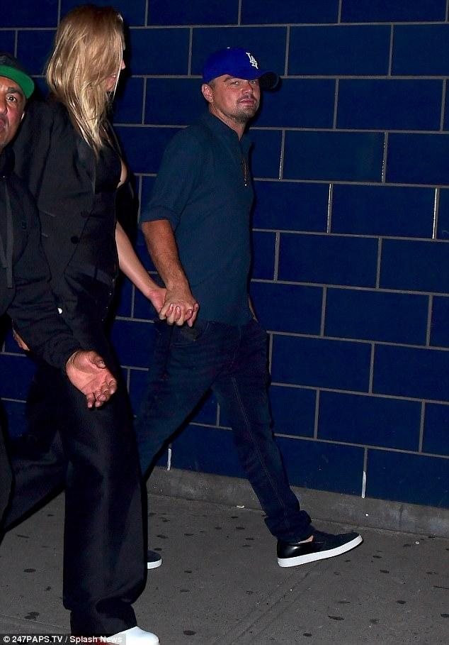 Nhan sắc bỏng mắt dàn siêu mẫu cặp kè với Leonardo DiCaprio - Ảnh 18.