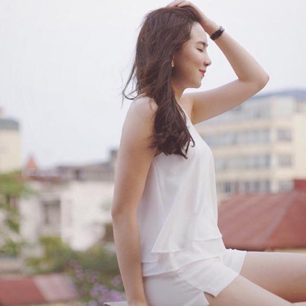 Cô gái thời tiết Mai Ngọc được nhận xét ngày càng đẹp hơn sau khi kết hôn.